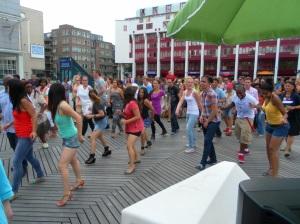Balli latini in piazza a Rotterdam