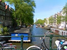 Bici e canali: questa è Amsterdam