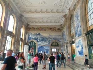 A Porto anche la stazione ha gli azuleios