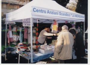 Il mercatino del gruppo anziani per il centro
