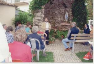 Momento di preghiera nel centro con il direttore Caritas Alessandro Martini