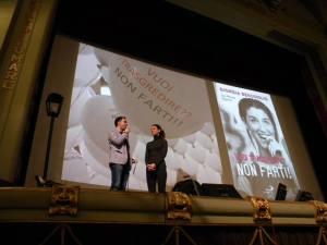 Io presento Giorgia Benusiglio al teatro Odeon di Firenze, durante l'incontro con i ragazzi delle scuole superiori per la Giornata per la Vita (6 gennaio 2016)