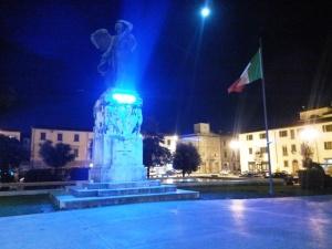 empoli_piazza_vittoria_autismo_blu_small_4