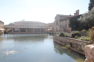 Piazza di Bagno Vignoni